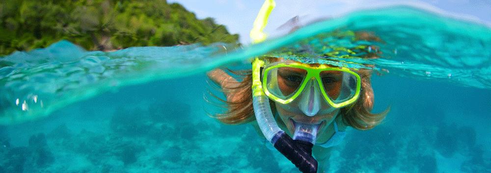 Student snorkling in Mauritius